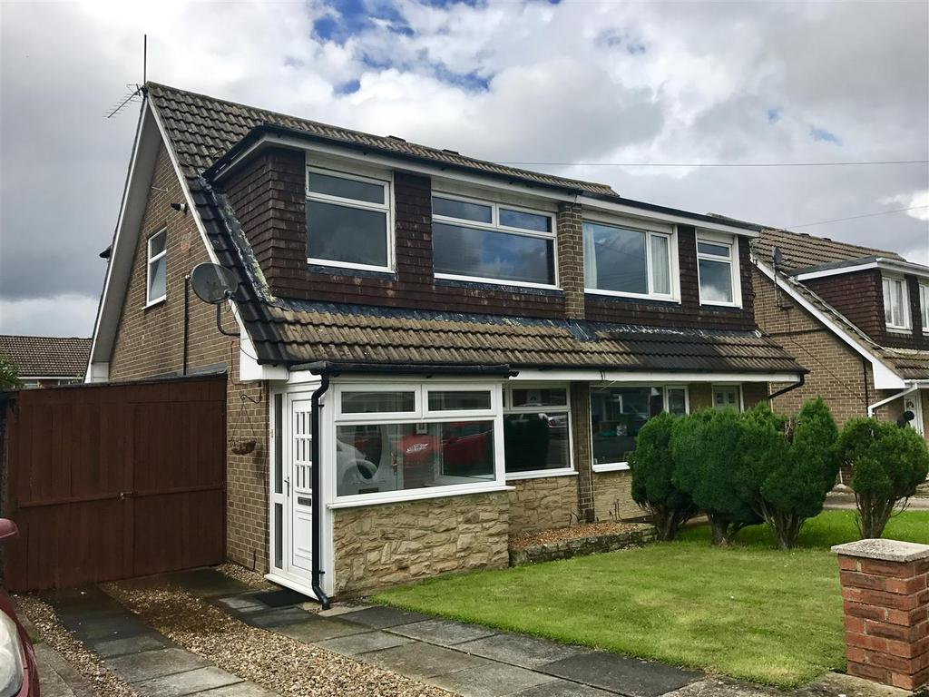 3 Bedrooms Semi Detached House for sale in Whinfell Avenue, Eaglescliffe