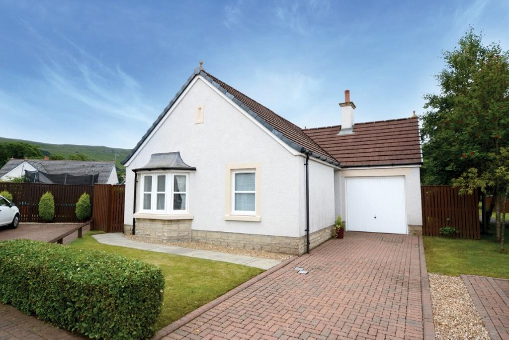 2 Bedrooms Detached Bungalow for sale in 42 Noddleburn Place, Largs, KA30 8UE