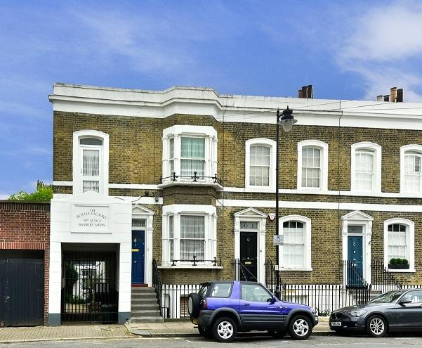 4 Bedrooms Terraced House for sale in Mary Street, London N1