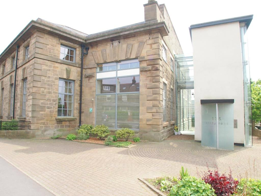 2 Bedrooms Apartment Flat for sale in 14 The Tramways, Otley Road, Guiseley, Leeds