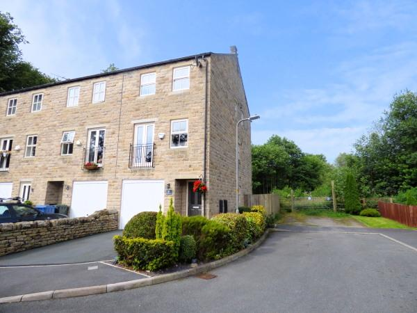 4 Bedrooms Town House for sale in 6 The Old Corn Mill, Glusburn BD20 8DW