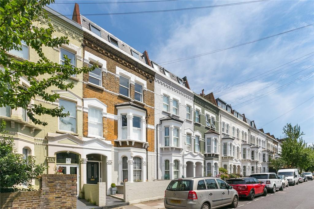 3 Bedrooms Flat for sale in Chesilton Road, Parsons Green, London