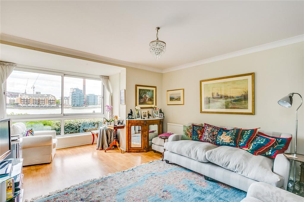 2 Bedrooms Flat for sale in Valiant House, Vicarage Crescent, Battersea, London