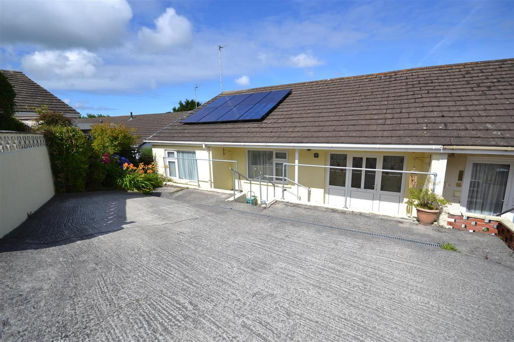 3 Bedrooms Semi Detached Bungalow for sale in Neyland,