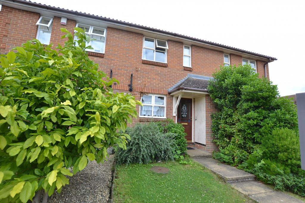 2 Bedrooms Terraced House for sale in Carpenter Close, Billericay, Essex, CM12