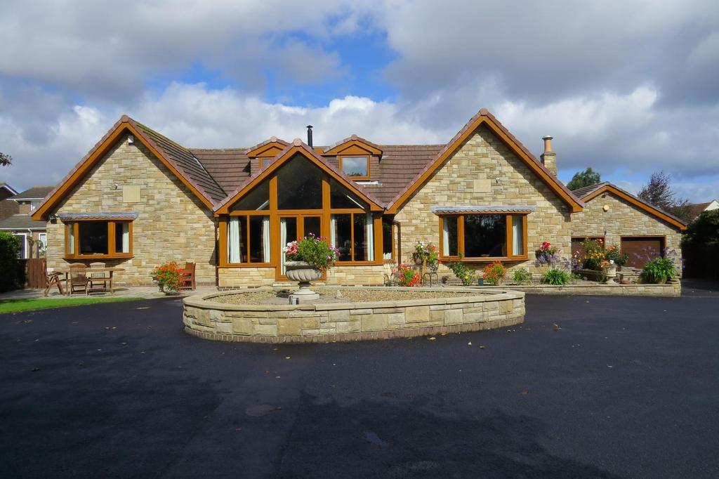5 Bedrooms Detached Bungalow for sale in South Side, North Seaton Village, Ashington