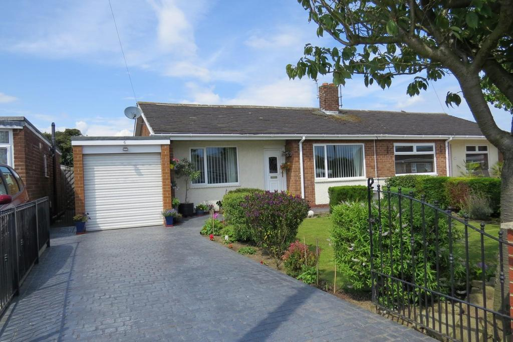 2 Bedrooms Semi Detached Bungalow for sale in Norham Gardens, Wansbeck Estate, Stakeford