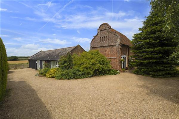 4 Bedrooms Detached House for sale in Trapham Barn, Canterbury Road, Wingham
