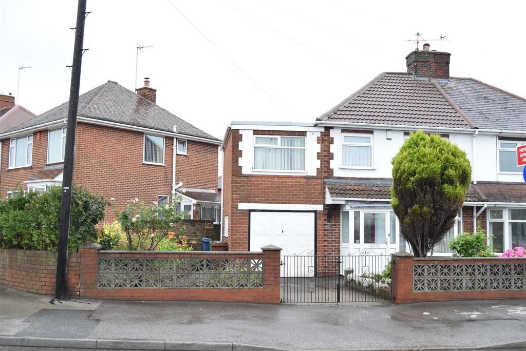4 Bedrooms Semi Detached House for sale in Chesterfield Road North, Mansfield