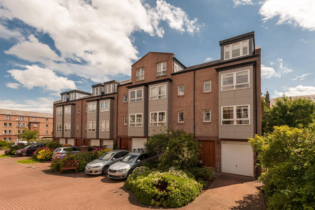 4 Bedrooms End Of Terrace House for sale in 19 West Savile Gardens, Newington, EH9 3AB