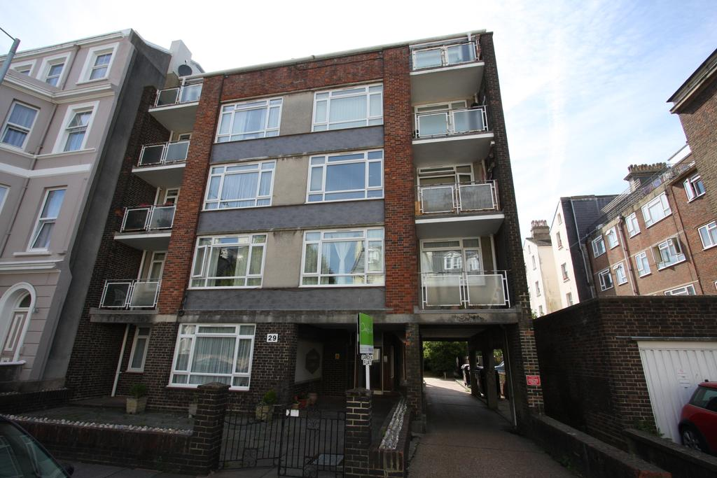 2 Bedrooms Apartment Flat for sale in 29 Compton Street, Eastbourne BN21