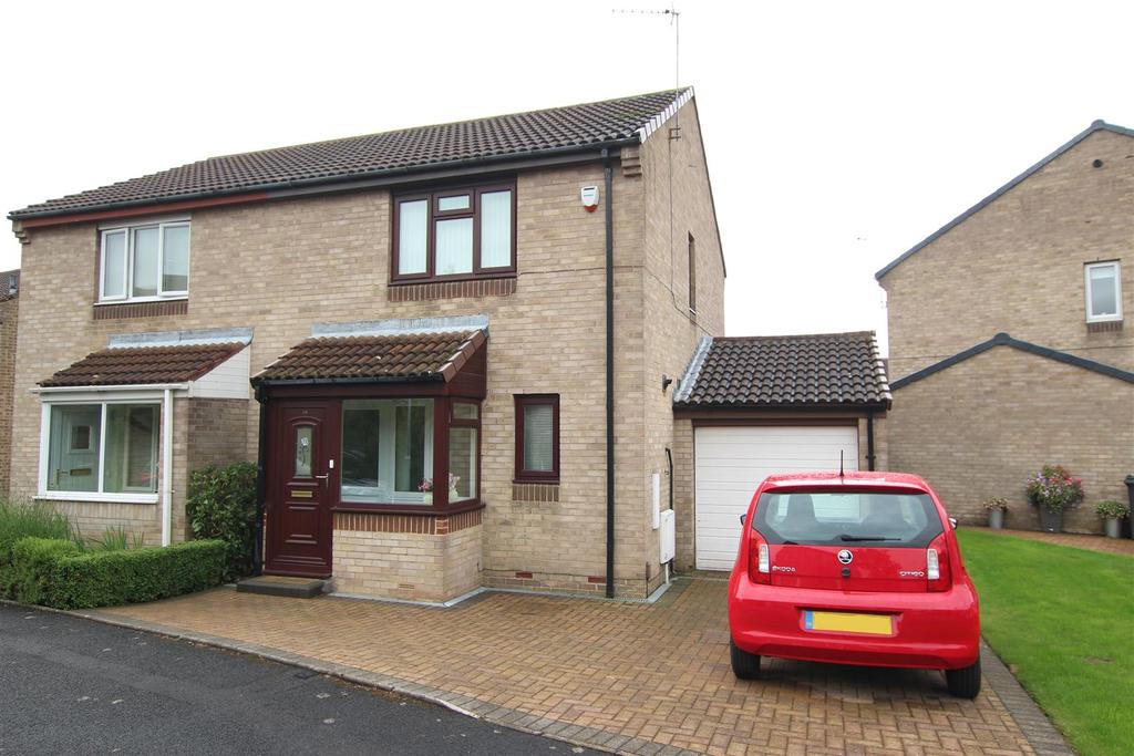 2 Bedrooms Semi Detached House for sale in Braemar Court, Darlington