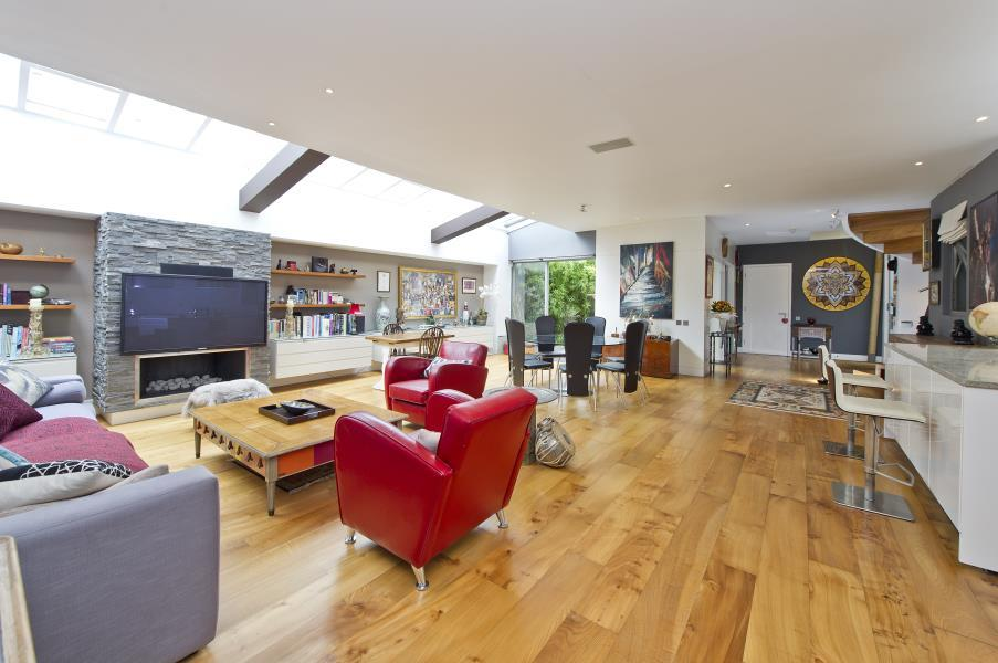 2 Bedrooms House for sale in Caranday Villas, Holland Park W11