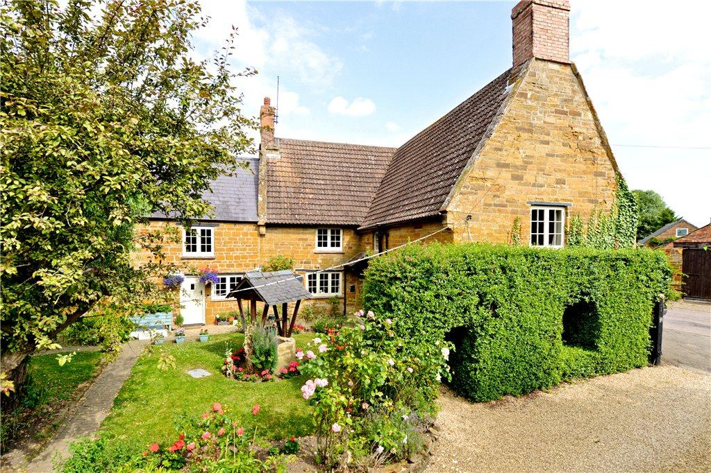 4 Bedrooms Unique Property for sale in High Street, Harpole, Northamptonshire