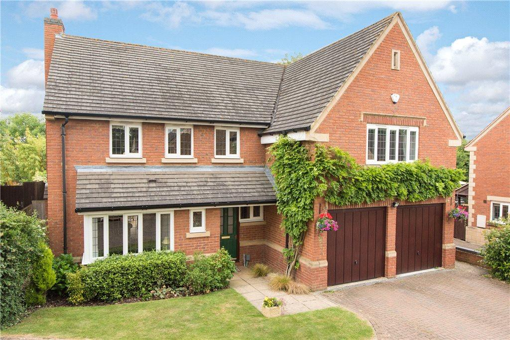 5 Bedrooms Detached House for sale in Walnut Close, Bromham, Bedford, Bedfordshire