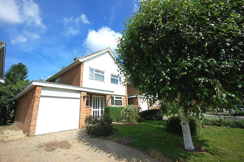 3 Bedrooms Detached House for sale in Princes Way, Hutton, Brentwood, Essex, CM13