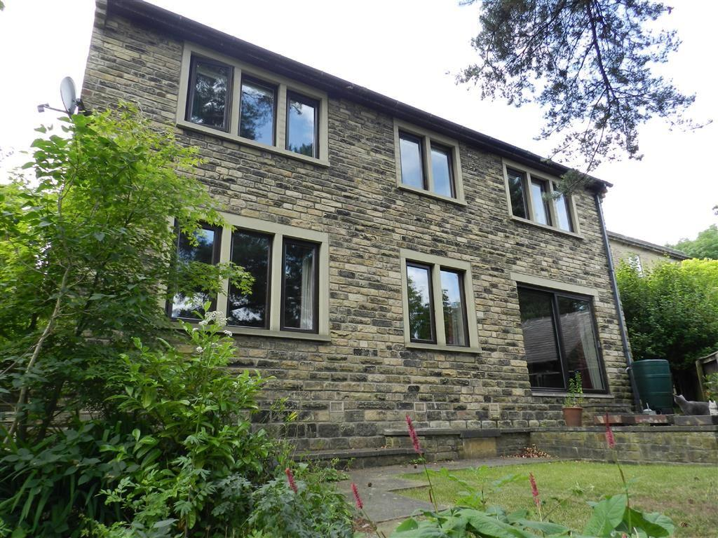 5 Bedrooms Detached House for sale in Broadbent Croft, Honley, Holmfirth, HD9