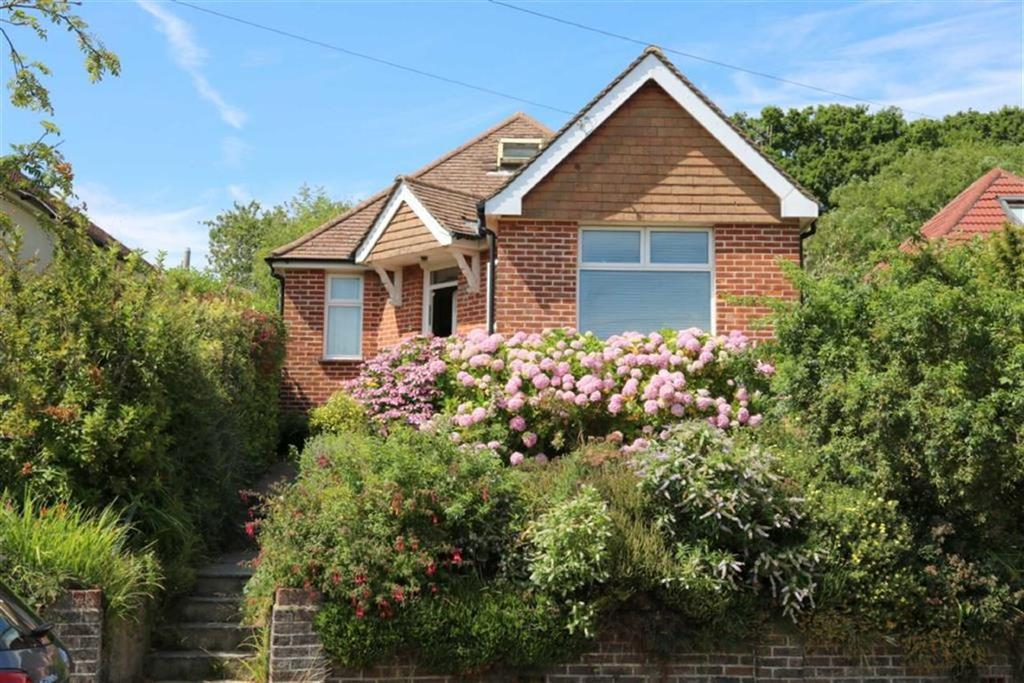 2 Bedrooms Detached Bungalow for sale in Park Crescent, Hastings