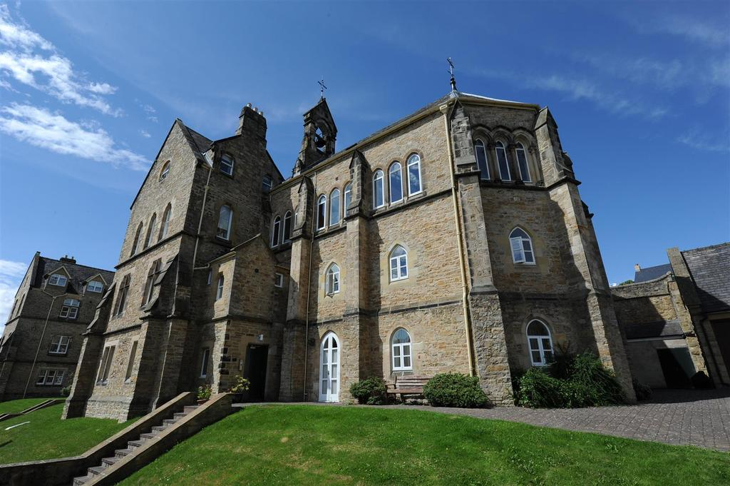 3 Bedrooms Apartment Flat for sale in The Convent, Reeth Road, Richmond