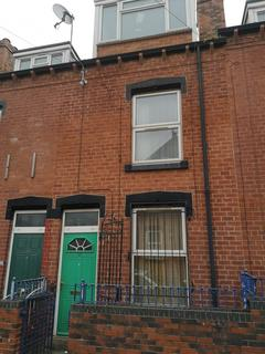 3 bedroom terraced house to rent - 37 Burley Lodge Terrace