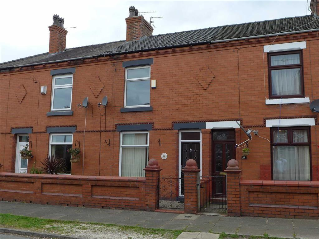 3 Bedrooms Terraced House for sale in Newfield Drive, Crewe