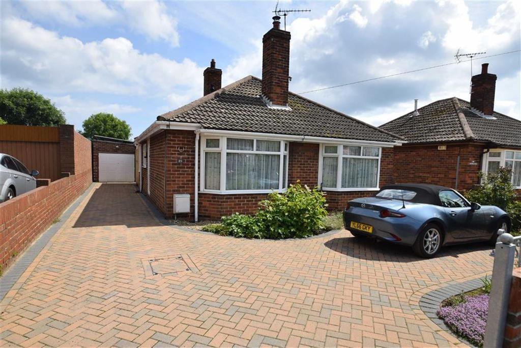 2 Bedrooms Detached Bungalow for sale in Ogle Road, Flamborough, East Yorkshire, YO15