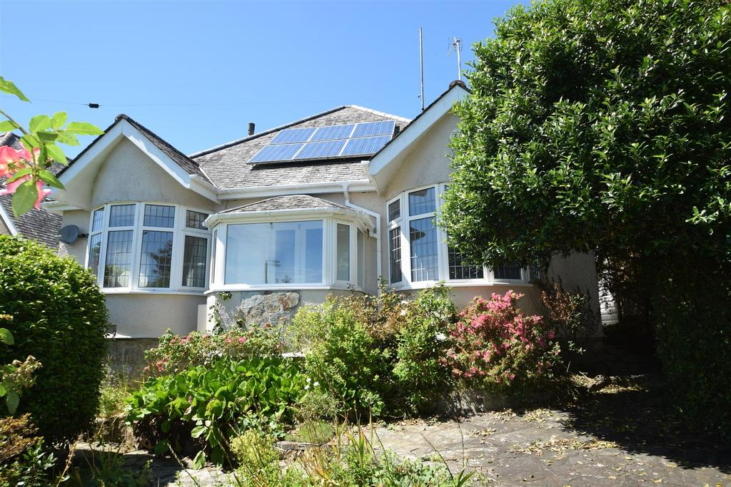 2 Bedrooms Detached Bungalow for sale in Marlborough Avenue, Falmouth