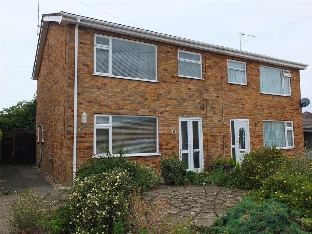 3 Bedrooms Semi Detached House for sale in Willders Garth, Holbeach