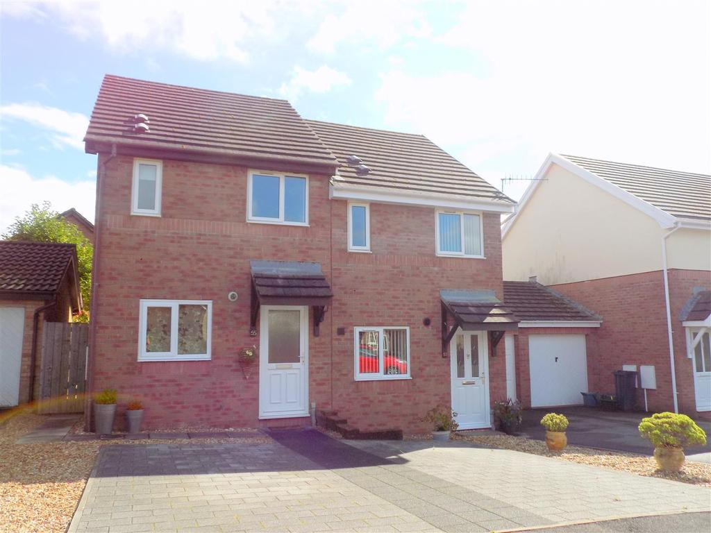 2 Bedrooms House for sale in Priory Court, Neath
