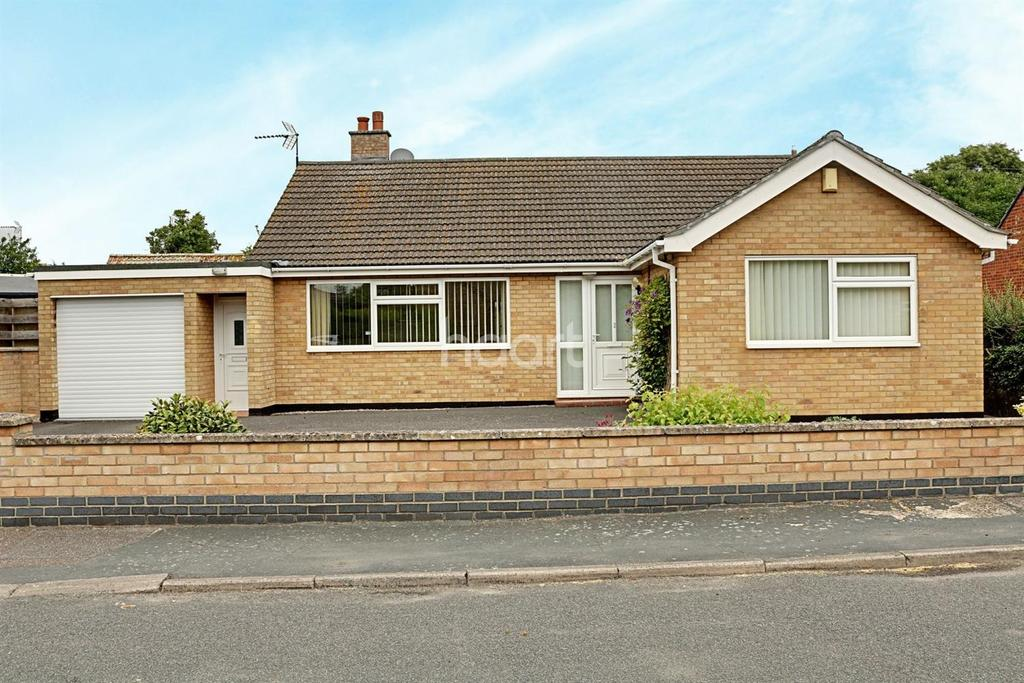 2 Bedrooms Bungalow for sale in Millards Lane