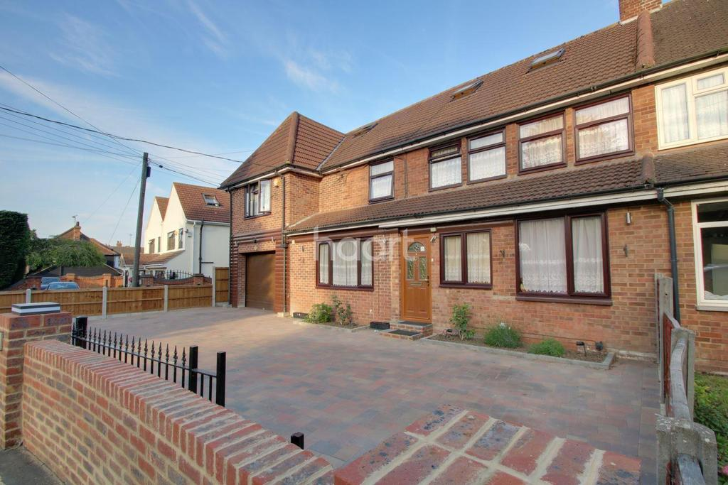 6 Bedrooms Semi Detached House for sale in London Road, Ongar, CM5 9PH