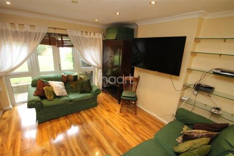 1 bedroom flat share to rent - Manning House, The Drive