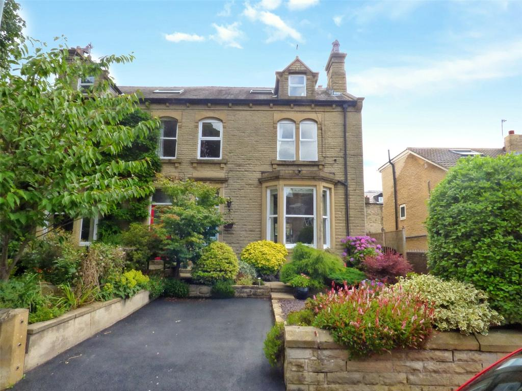 4 Bedrooms Semi Detached House for sale in Grasmere Road, Gledholt, Huddersfield, West Yorkshire, HD1