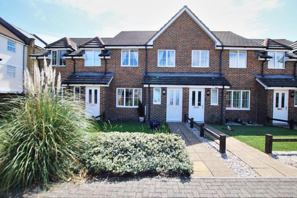 3 Bedrooms Terraced House for sale in St Lawrence Way, Sovereign Harbour North, Eastbourne BN23