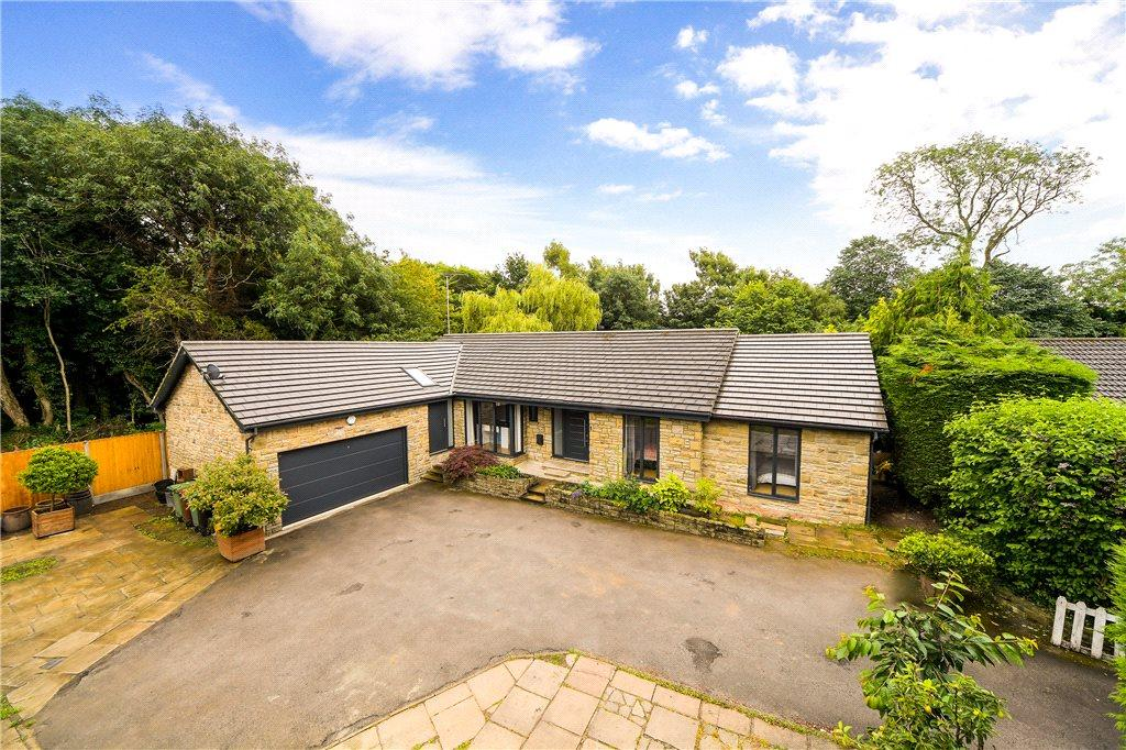 4 Bedrooms Detached Bungalow for sale in Beck Lane, Collingham, Wetherby, West Yorkshire