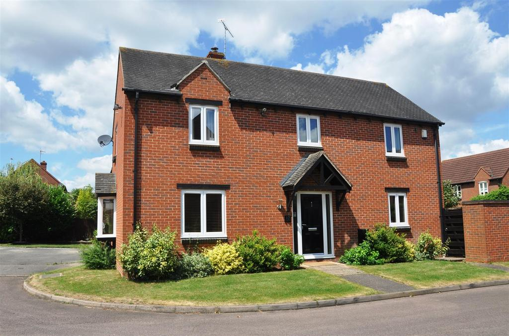 4 Bedrooms Detached House for sale in Trinculo Grove, Heathcote, Warwick
