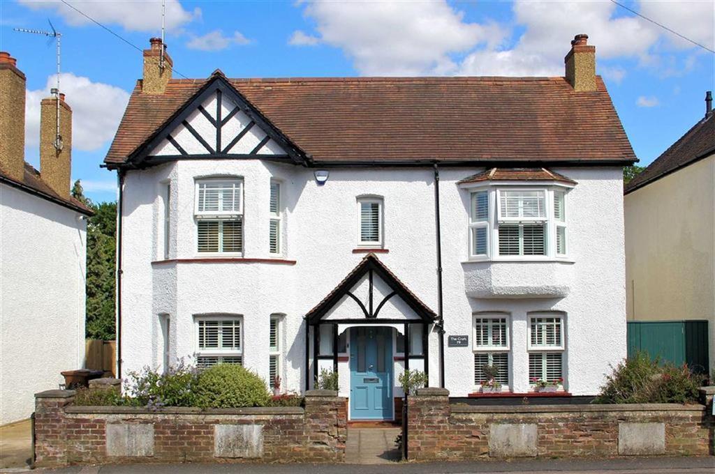 3 Bedrooms Detached House for sale in Pondcroft Road, Knebworth, SG3 6DE