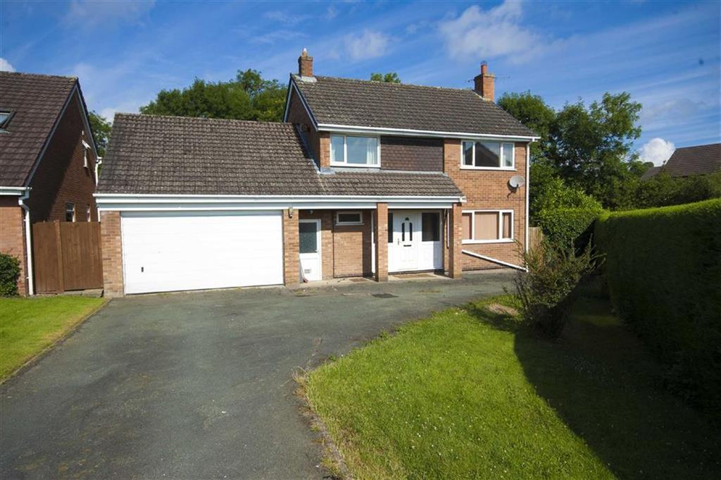 4 Bedrooms Detached House for sale in 18, High Fawr Close, Oswestry, Shropshire, SY11