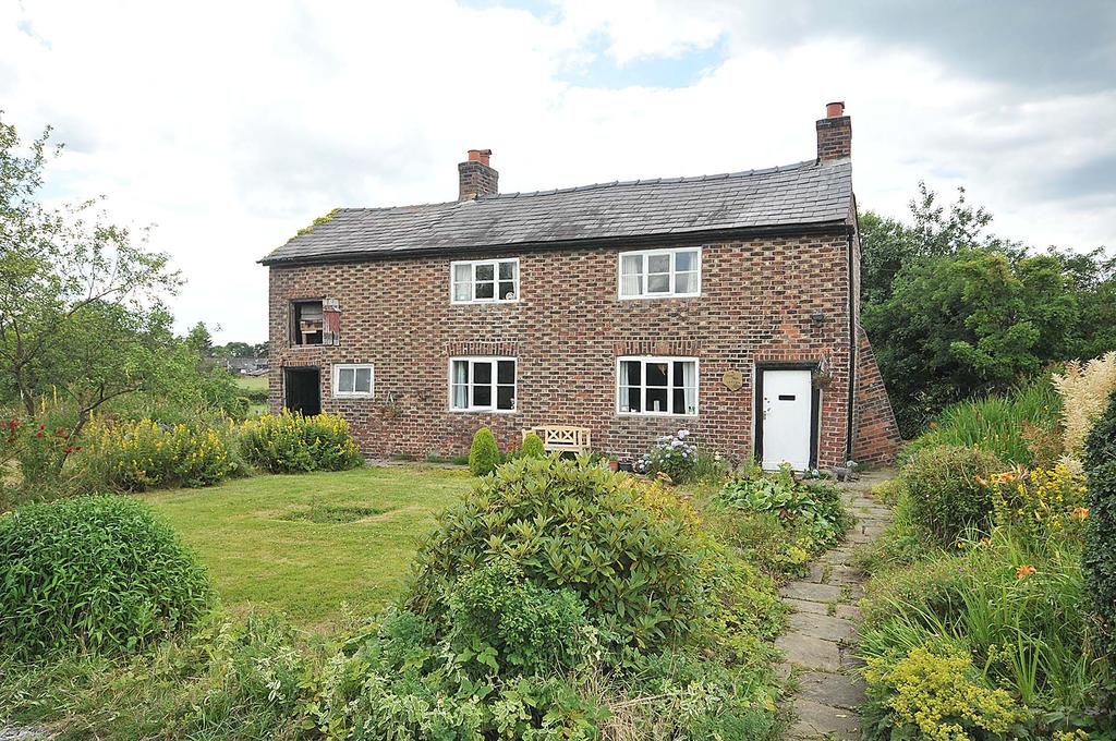 2 Bedrooms Detached House for sale in Pear Tree Cottage, Mobberley Road