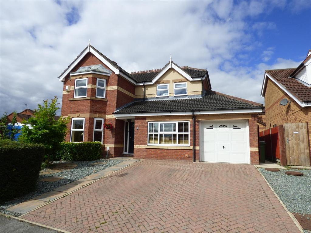 4 Bedrooms Detached House for sale in 1 Richmond Gardens, Beverley, East Yorkshire, HU17 8XP