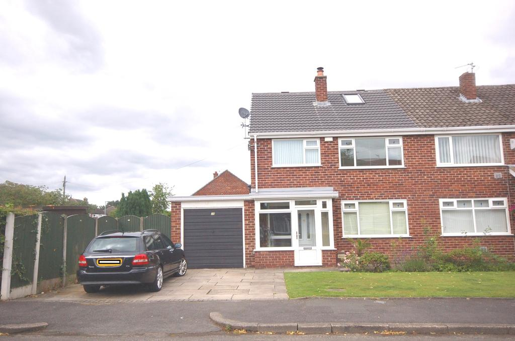 4 Bedrooms Semi Detached House for sale in Gresty Avenue, Peel Hall, Manchester M22