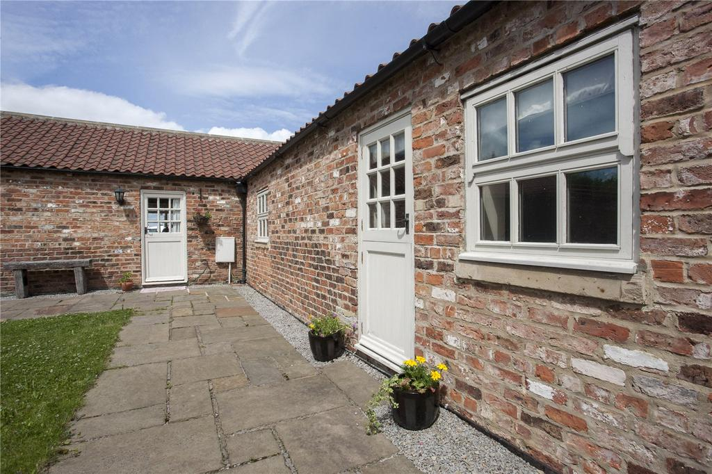 2 Bedrooms Semi Detached House for sale in Low Skerningham Lane, Darlington, County Durham, DL1