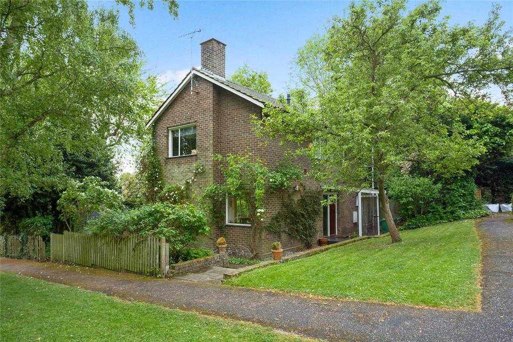 3 Bedrooms Detached House for sale in St Anne's Close, Highgate West Hill, London, N6