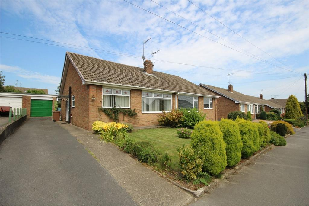 2 Bedrooms Semi Detached Bungalow for sale in Northfield Road, Beverley, East Riding of Yorkshire, East Yorkshire