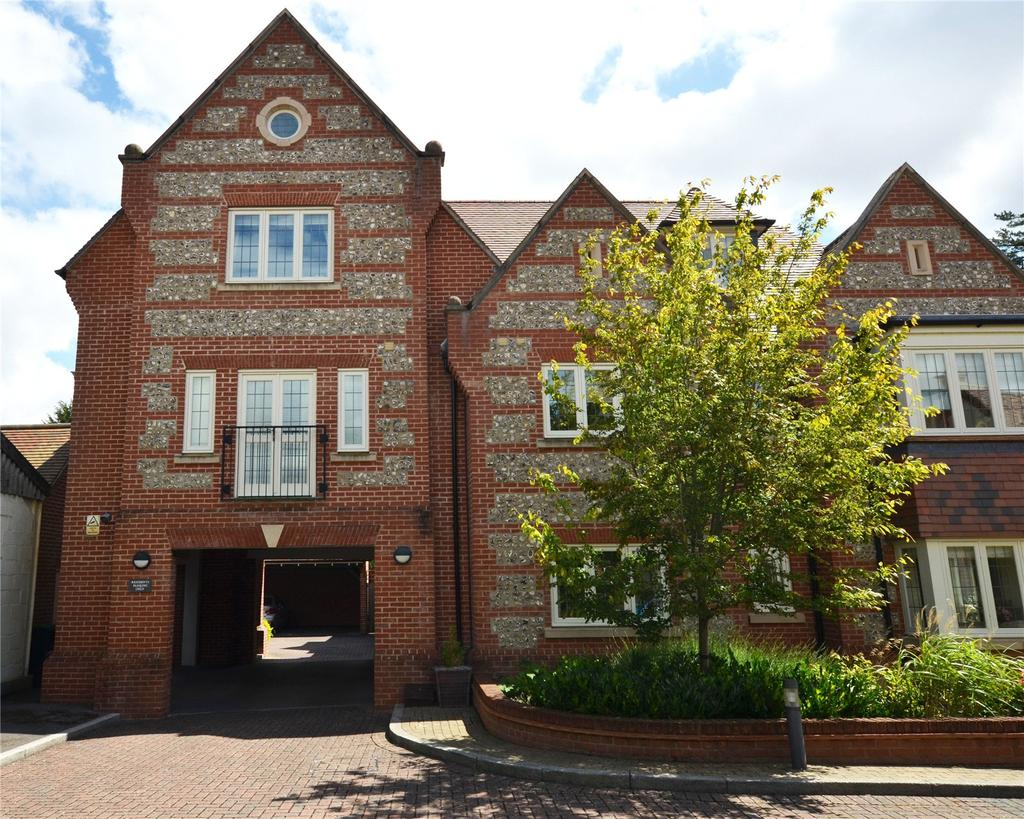 2 Bedrooms Maisonette Flat for sale in Florence Court, Wilton, Salisbury, Wiltshire, SP2