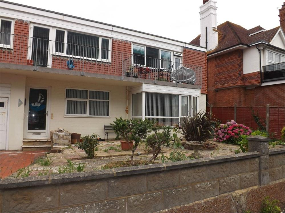 2 Bedrooms Flat for sale in Bedford Avenue, Bexhill-on-Sea, East Sussex