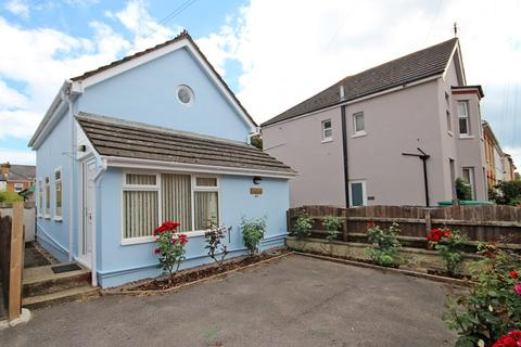 2 bedroom detached house for sale - Livingstone Road, Southbourne, Bournemouth