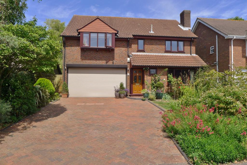 4 Bedrooms Detached House for sale in BURNHAM WOOD, FAREHAM