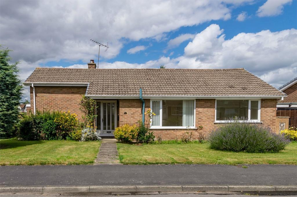 3 Bedrooms Detached Bungalow for sale in 1 Croftway, Selby, North Yorkshire
