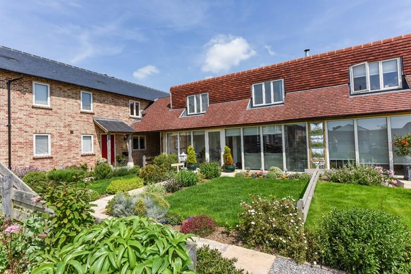 3 Bedrooms Mews House for sale in Amport Fields, Weyhill, Andover